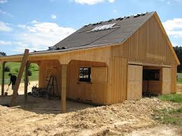 Barn Building Plans Best 25 Small Horse Barns Ideas On Pinterest Horse Barns Horse