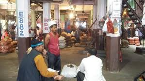 vashi market winter chill fails to bring down vegetable prices