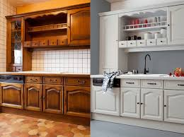 cuisine ancienne repeinte comment repeindre une cuisine en bois vieille repeinte affordable
