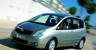 toyota corolla verso review toyota corolla verso minivan mpv 2002 2004 reviews technical