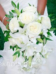 Cascade Bouquet Bouquet Styles Part 2 U2013 Cascading And Crescent Fiftyflowers The