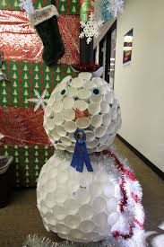 White Paper Christmas Decorations To Make by The Most Creative Ways To Decorate Your Office Cubicle For Christmas
