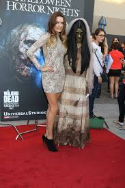 what to wear to halloween horror nights gina holden and ghoul at the annual eyegore awards opening night
