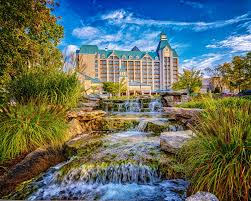cing at table rock lake in branson mo chateau on the lake resort spa and convention center 2018 room