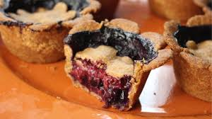 how to make easy fresh berry pies mini thanksgiving pie