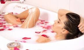 Women Bathtub 5 Beauty Secrets That Made Cleopatra The Most Beautiful Woman On Earth
