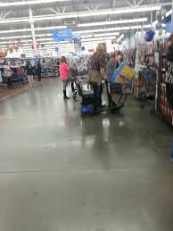 wal mart thanksgiving walmart thanksgiving day sale causes miracle imgur
