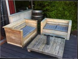 cuisine en palette bois table cuisine palette cuisine faite avec palettes en bois