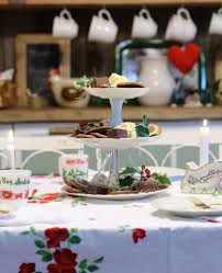 old fashioned christmas tea countrycottageliving