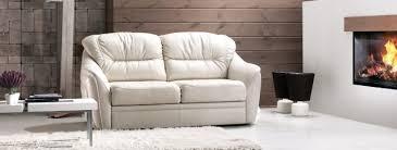 petit canapé cuir canapé cuir convertible le parfait choix pour chaque intérieur