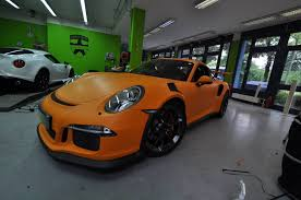 orange porsche 911 gt3 rs new porsche 911 gt3 rs gets matte orange wrap