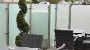 windschutz und sichtschutz aus glas für die terrasse youtube