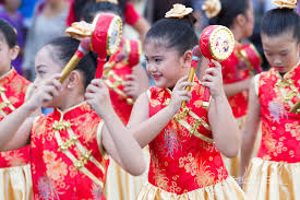 8 popular new year traditions in the philippines iremit