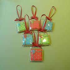 present tree decorations 6 presenttreedecs 16 95