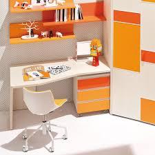 bureau pour enfant chaise de bureau contemporaine pour enfant piètement étoile en