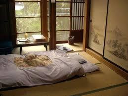 chambre japonais chambre japonaise moderne chambre dun minshuku avec vue sur jardin