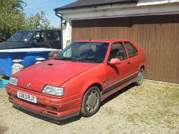 renault red for sale 1991 renault 19 16v red hatch there is more to life
