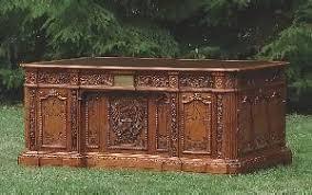 Presidential Desks History The Resolute Desk