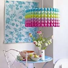 mat iel de bureau d occasion lámparas cubiertas de pelotas de ping pong reciclar