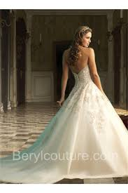 Wedding Dress With Train Royal Ball Gown Strapless V Back Tulle Lace Applique Wedding Dress