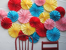 backdrop paper diy make a paper fan photo backdrop