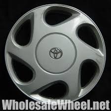 1999 toyota camry hubcaps toyota hubcaps 61089 toyota camry 15 silver hubcap wheel