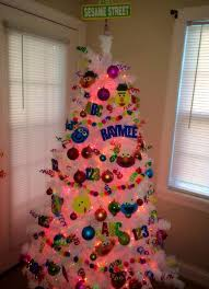 White Stuff Christmas Decorations by Best 25 Christmas Tree Colored Lights Ideas On Pinterest