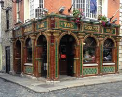 the old fashioned exterior of the quays irish restaurant in dublin