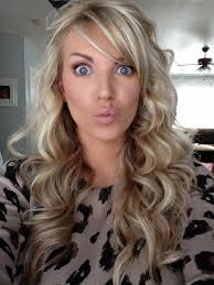 hair styles brown on botton and blond on top pictures of it medium length blonde hair with brown underneath