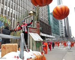 parade thanksgiving discover nhl thanksgiving showdown float at the macy u0027s