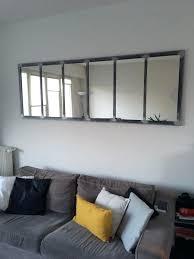 dessus de canape dessus de canape miroir au dessus dun canapac dans un salon de