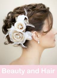 wedding flowers in hair 15 succulent wedding bouquets that will make you question everything