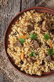 cuisine arabe nourriture de riz national cuisine arabe appelé pilaf aux épices de