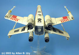x wing fighter by mpc