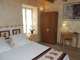chambres d h es en auvergne location de vacances chambre d hôtes vic le comte dans puy de dôme