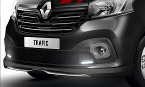 renault trafic 2017 renault trafic sport uk2 images renault sums up the trafic with