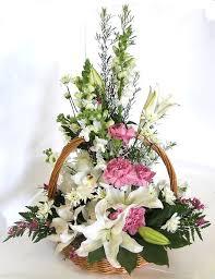 Traditional Flower Arrangement - send this wonderful traditional arrangement to lebanon on a