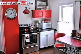 kleine kche einrichten kleine küche einrichten moderne möbel rot ausstattungen