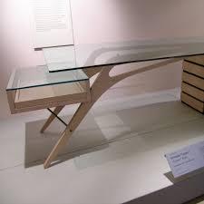 bureau cavour la table de bureau cavour de zanotta est un hommage à carlo mollino