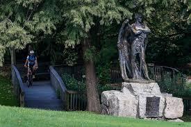 Black Flag Statue Puzzle Tensions Put Spotlight On Confederate Monument In Houston Park