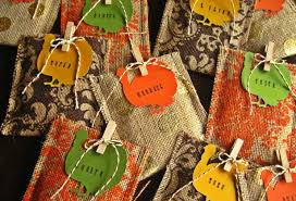 room table decorating ideas with craft decorations