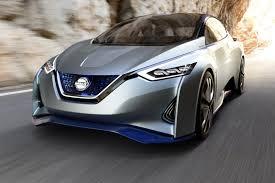 nissan sports car draudikai nerimauja dėl autonominių automobilių naujų pavojų
