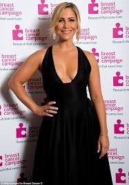 60 year old black women hair heidi range shows her support for breast cancer caign in