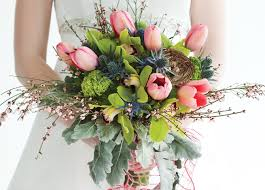 wedding flowers guide your guide to wedding flowers by season