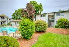 the parkwood apartments are located in the south eugene oregon