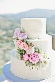 wedding cake questions questions to ask the cake designer it girl weddings