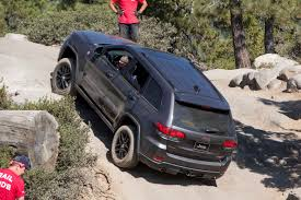 2016 jeep grand cherokee off road jeep grand cherokee trailhawk edition tackles the rubicon