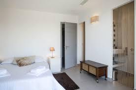 salle d eau dans chambre rent from rondinara bonifacio villa with sea view