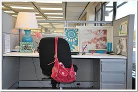 Decorating Ideas For Office At Work Cubicle Makeover A Magnetic Board Like This Would Work Great