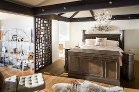 Chandelier Room Decor 37 Startling Master Bedroom Chandeliers That Exudes Luxury